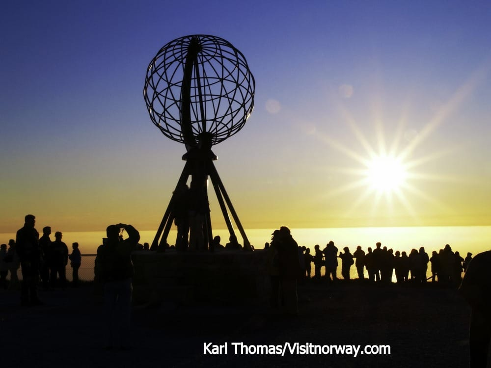 ノールカップ岬Midnight-sun-at-North-Cape-012016-99-0031_1500