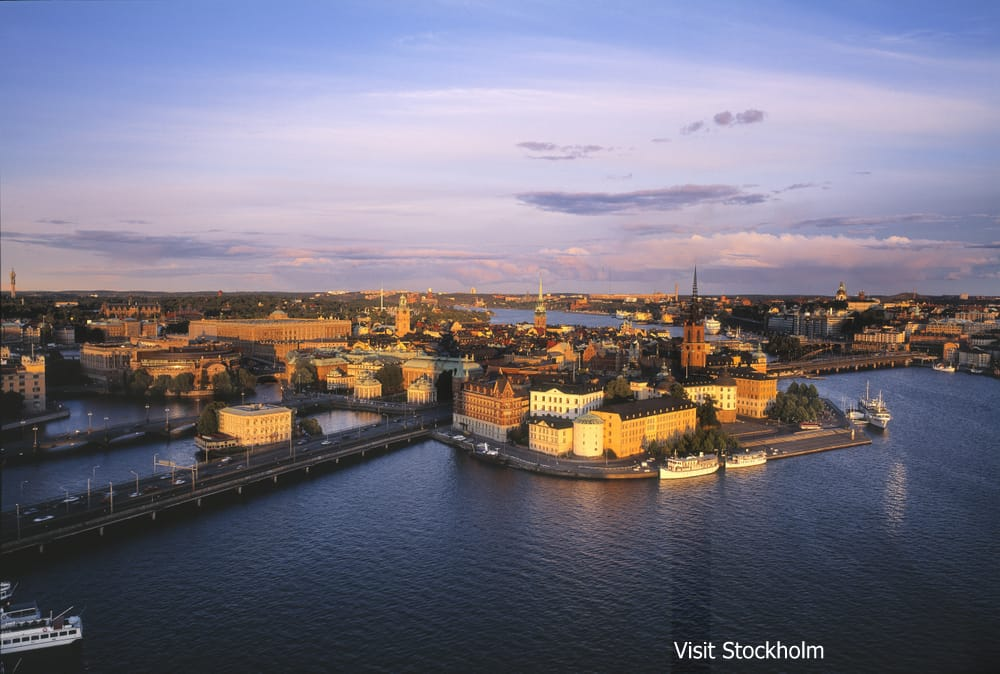 P37ストックホルム市内観光Stockholm_view_ over_The_Riddarholmen_Island_Photo_Jeppe Wikstrom_80_High-res