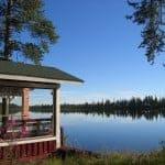 サウナに入った後は湖に飛び込みましょう_B