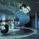 アーネ・ヤコブセン建築&デザインのラディソン・ブル・ROYALのロビー