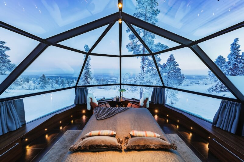 Winter-2019_Glass_igloo_interior_during_daytime_07